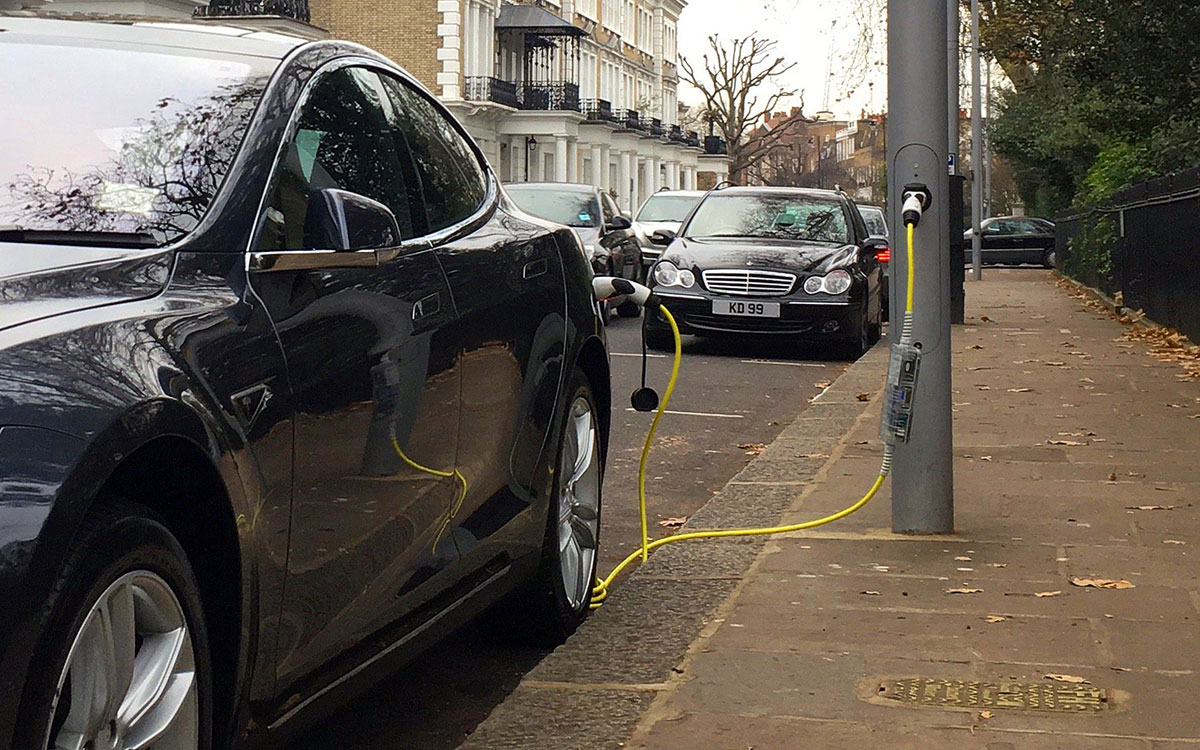 Ubitricity is repurposing street light poles into EV charging stations